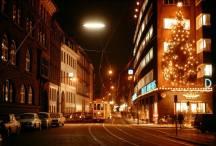 Linje Fem ad Nørregade og Daells Varehus i julen i 60-erne. Foto Sporvejsmuseet