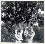 Vi er på besøg et sted 1952