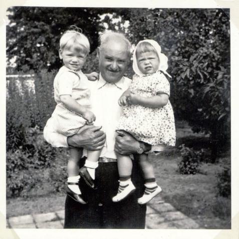 Hr. Eskær og Torben og jeg i 1953