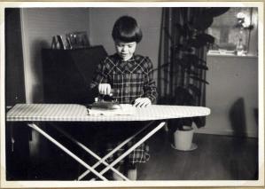 Jeg stryger et lommetøjklæde i 1957/58