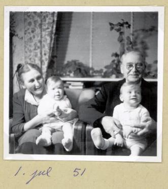 Asta og Emry på Tøjmestervej julen 1951
