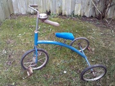 Blå retrocykel fundet på nettet