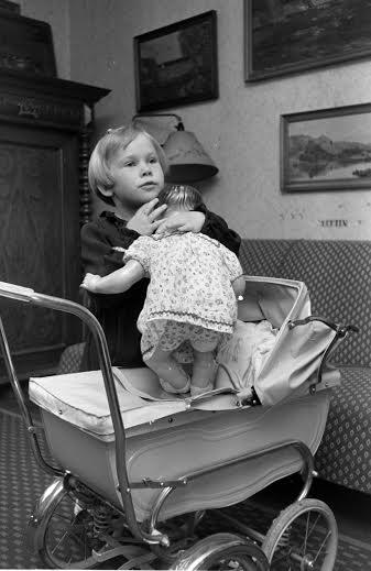 1951_Johannes Mogenshøj Jensen Odder dukkevogn 1
