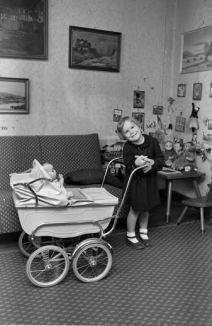 1951_Johannes Mogenshøj Jensen Odder dukkevogn Foto Sundby lokalhistoriske Forening