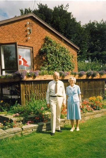 Min far Aage og mor Ruth ved min fars fødselsdag 30.8.87