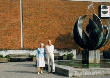 Mine forældre Ruth og Aage ved Punkt 1 i Herlev