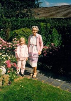 Min mor og fætter Sørens datter Camilla sommer 1987