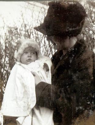 Min mormor er gudmor for venindens barn. De stod sammen i manufakturhandlen i Nansensgade
