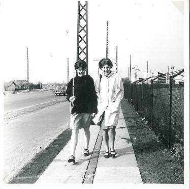Forfra gåedene på Englandsvej april 1966
