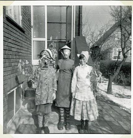 Hjemmelavede fastelavnsdragter i 1962 og fastelavnsris