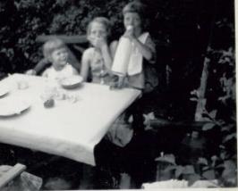 Karin fra Bispebjerg er med i sommerhuset sommeren 1953