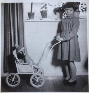 Dukkeklapvognen til min 6 års fødselsdag januar 1957