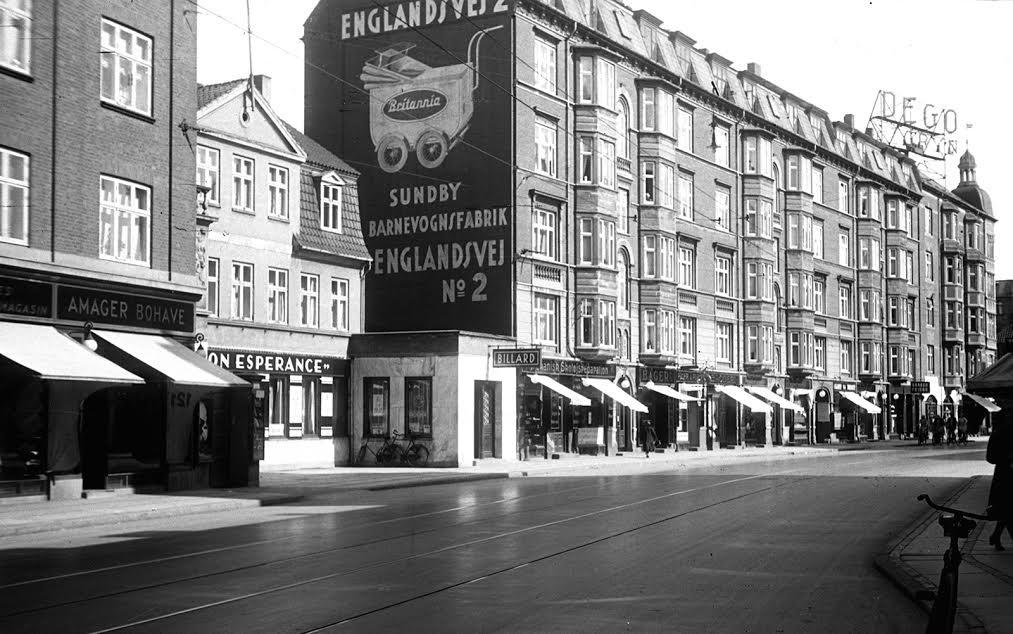Amagerbrogade med gavlmaleri af Sundby Barnevognsfabrik Foto SULFA Erik Johansen