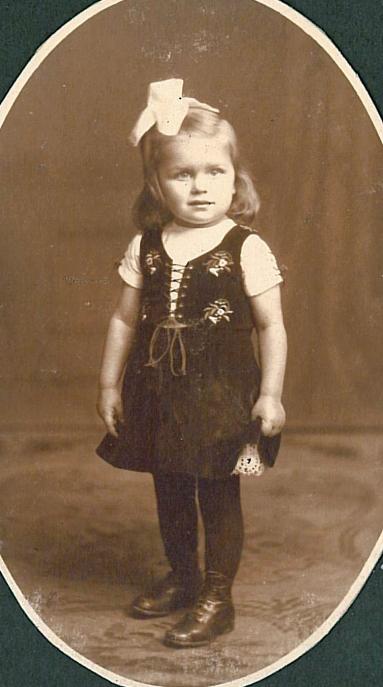 Ermegaard 2 år 1917
