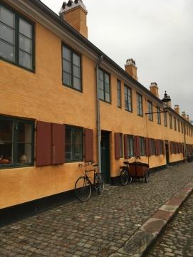 Nyboder. Delfingade København K. Et af de gader, hvor min mormor have sine barndomshjem