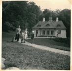 Ved Liselund Slot ved Møns Klint 1957
