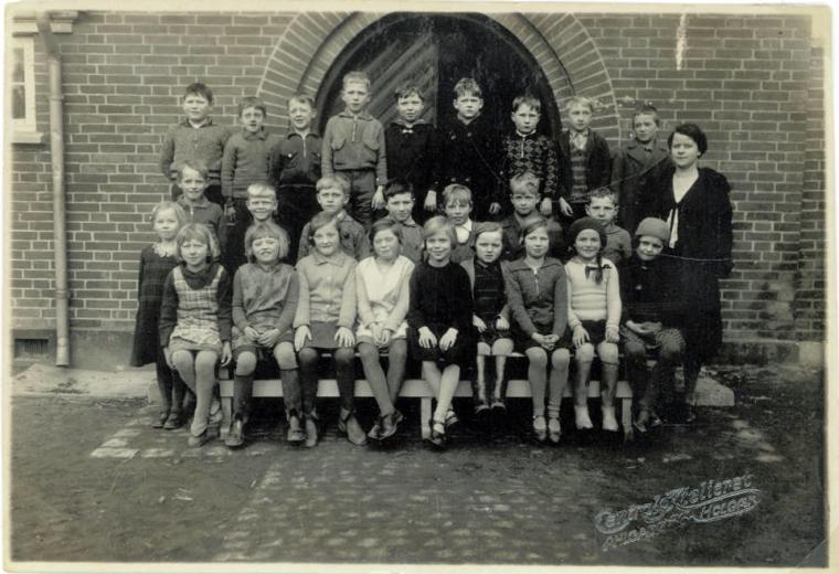Min mors 3. klasse og lærer Frk Dybvad på Søndre Skole