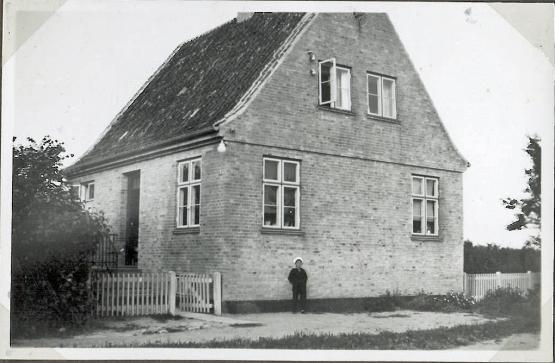 Deres hus i Holbæk da det var nybygget først i trediverne