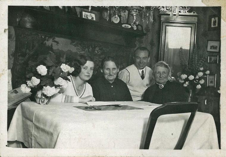 Milles fødselsddag 14 juni engang i 1930erne i Faxegade