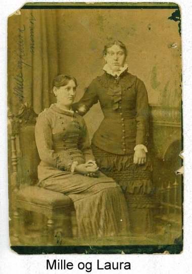 Laura Mattern til venstre og Mille Mattern til højre i 1880erne